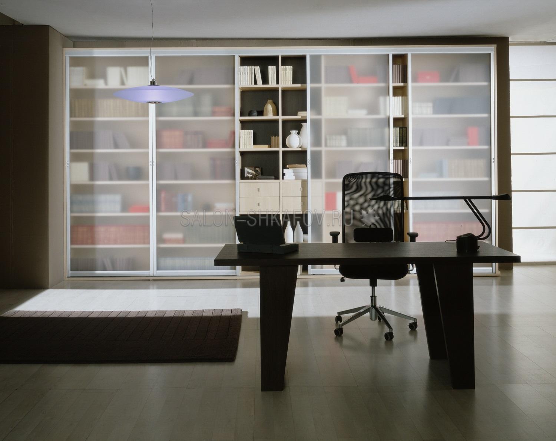 Встроенные книжные шкафы на заказ от производителя.